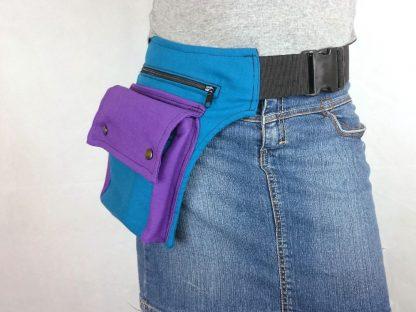 blauwe heuptas met paarse klep