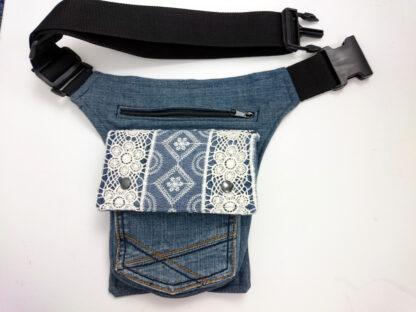 heuptas spijkerbroek met kant